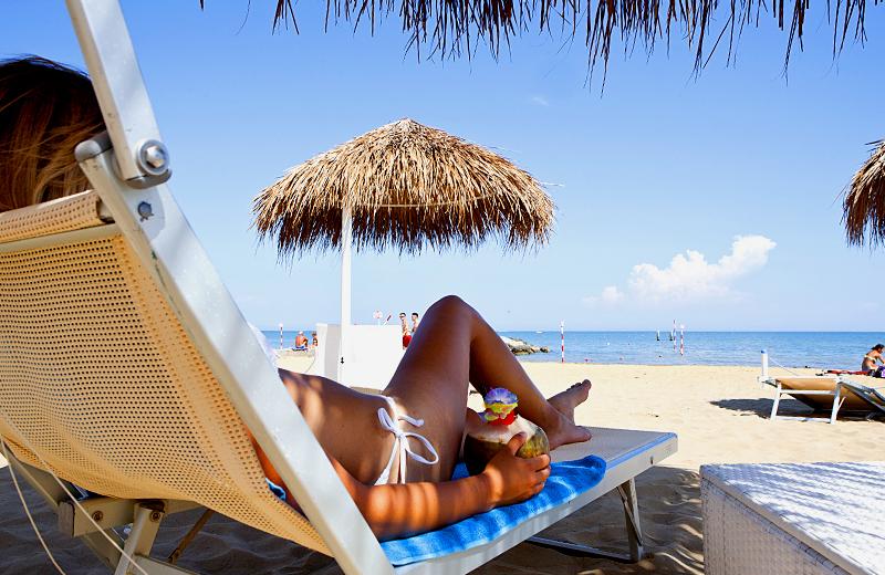 1 2 bagno 1 2 beach establishment lignano sabbiadoro for Bagno 5 lignano riviera