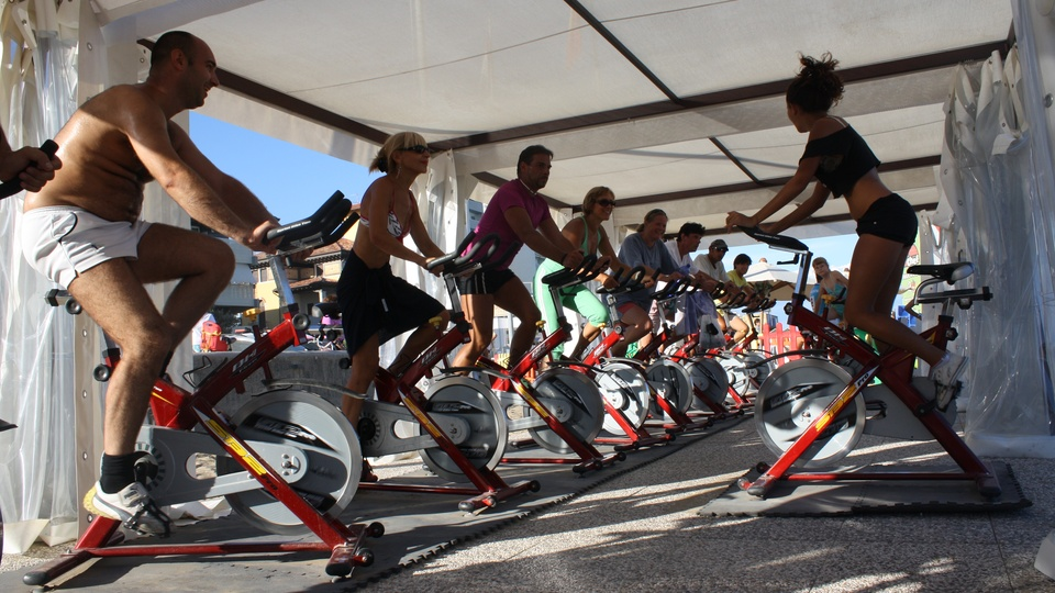 Spinning lesson on the beach in Lignano