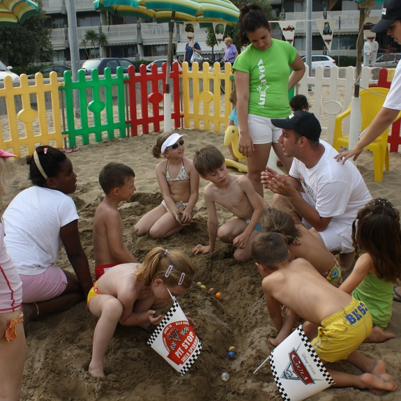 Building a marble track at the Mini Club of Lignano