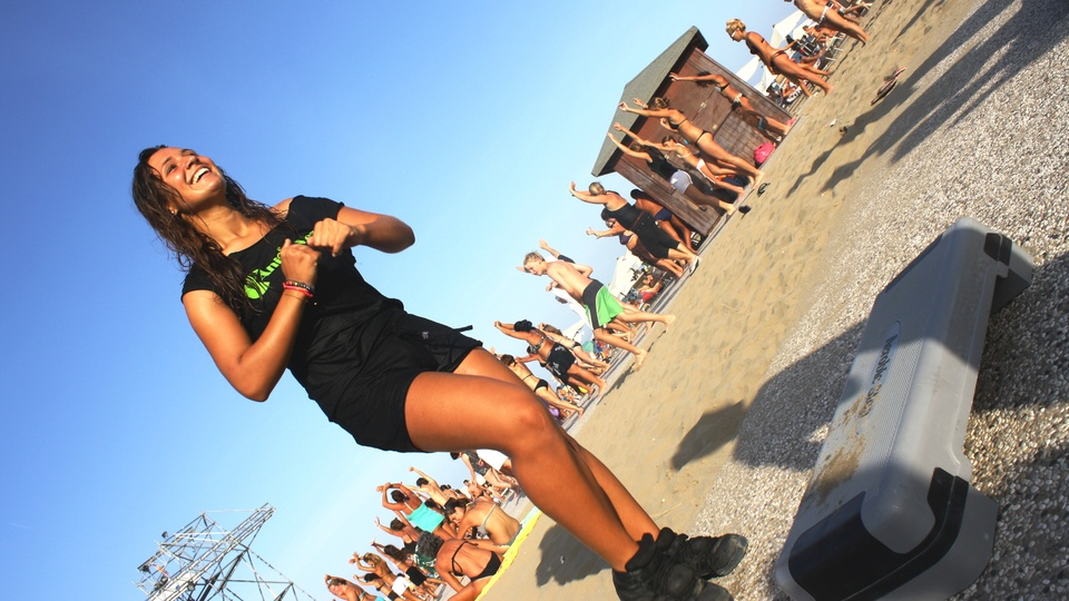 Step lesson on the beach in Lignano