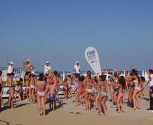 Group dances at establishment 3 in Lignano Pineta